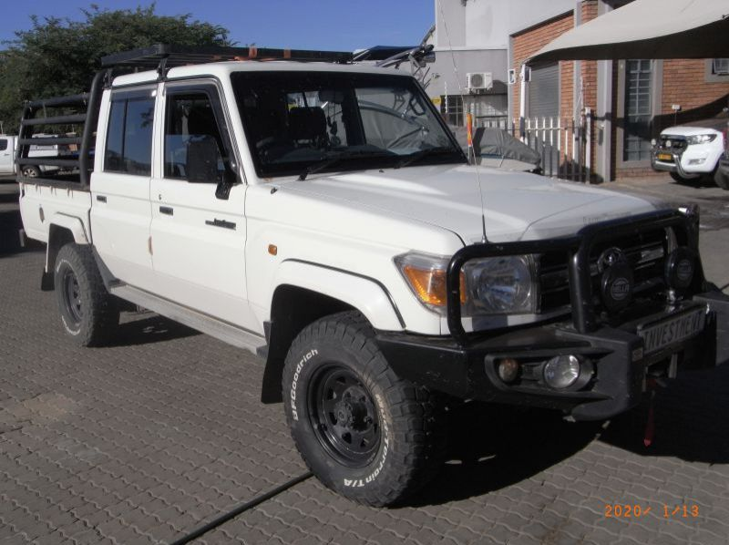 Used Toyota LANDCRUISER 4.0 V6 D/C 4X4  for sale in Windhoek, Namibia