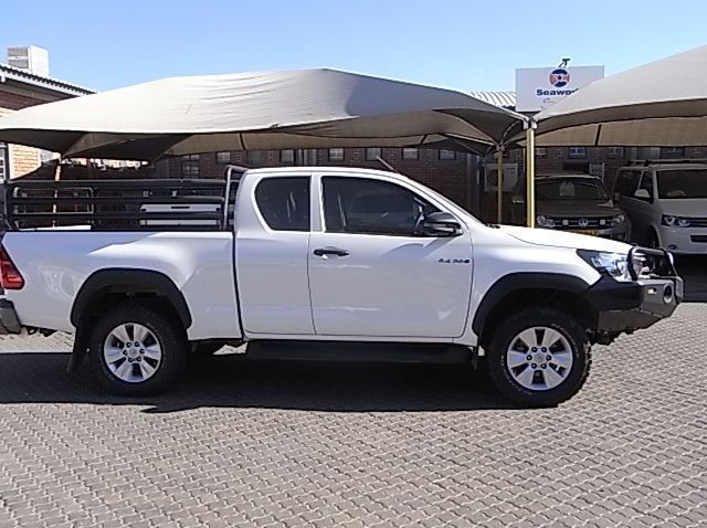 Used Toyota TOYOTA HILUX 2.4 XTRA CAB 4X2  for sale in Windhoek, Namibia