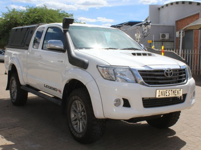 Used Toyota Hilux 3.0 D4D Ex cab 4x4 Manual  for sale in Windhoek, Namibia