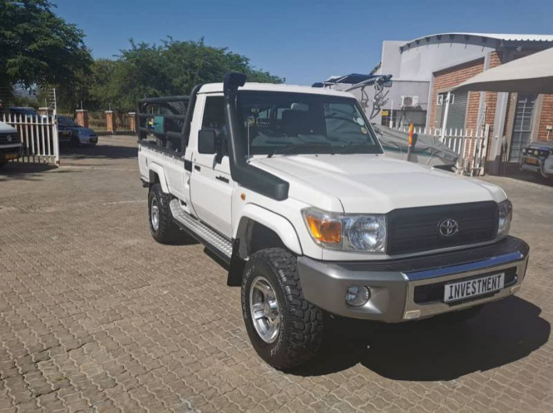 Used Toyota LANDCRUISER 4.0 V6 S/C 4X4  for sale in Windhoek, Namibia