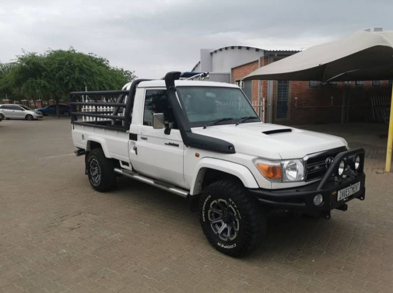Used Toyota LANDCRUISER 4.5 V8 DIESEL TURBO S/C 4X4  for sale in Windhoek, Namibia